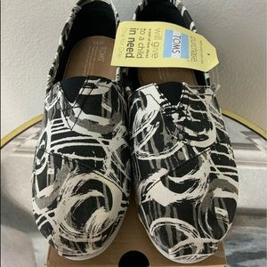 Toms NWT